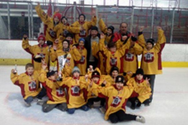 Topoľčianski mladí hokejisti obsadili konečné tretie miesto.