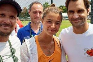 """Lena Stará """"ulovila"""" spoločnú foto s Rogerom Federerom."""