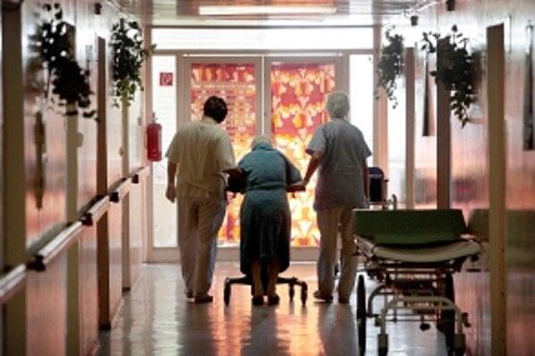 Platby v zariadeniach sa pre dôchodcov zvyšujú.