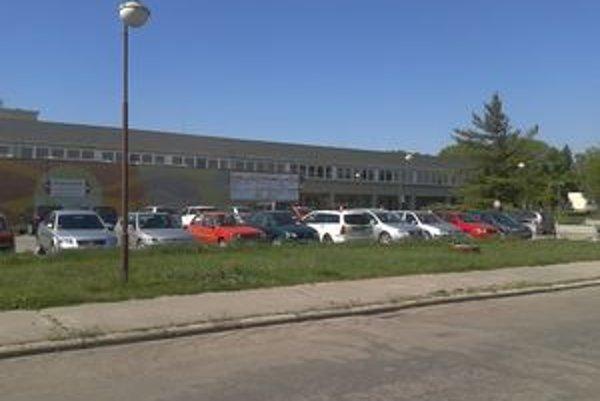 Topoľčianska nemocnica má už dlhší čas problémy s financiami.