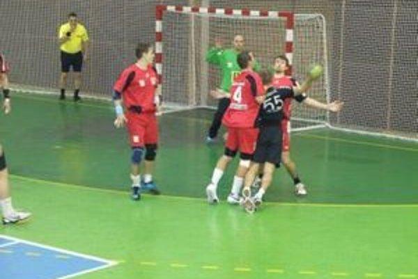 Topoľčany aj do tretice vyhrali na domácej palubovke, v sobotu o sedem gólov porazili Bratislavu.