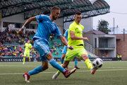 Kornel Saláta (vľavo) pôsobil v Slovane aj v DAC. Momentálne hrá druhú ligu v Komárne.