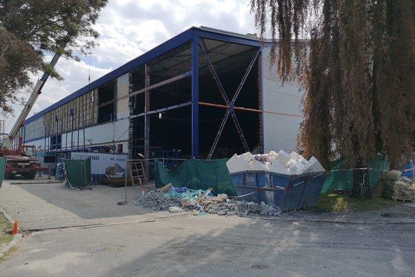 Rekonštrukcia štadióna pokračuje ďalej.