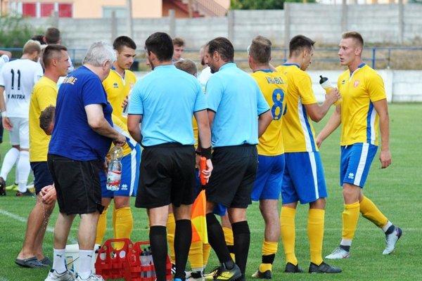 Futbalisti Vrábeľ sa v piatom kole dočkali prvého víťazstva.