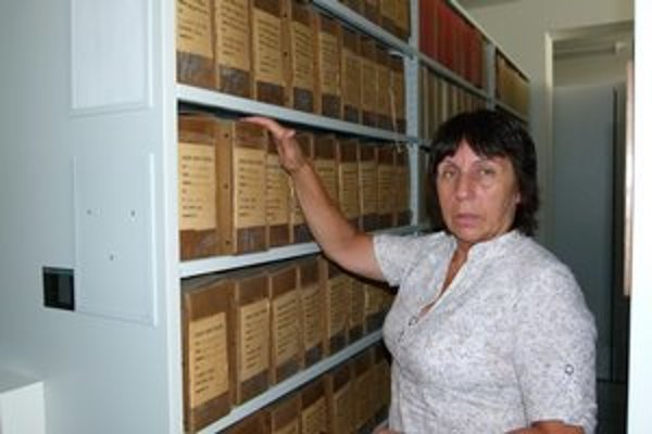 Oľga Kvasnicová je v archíve ako doma.