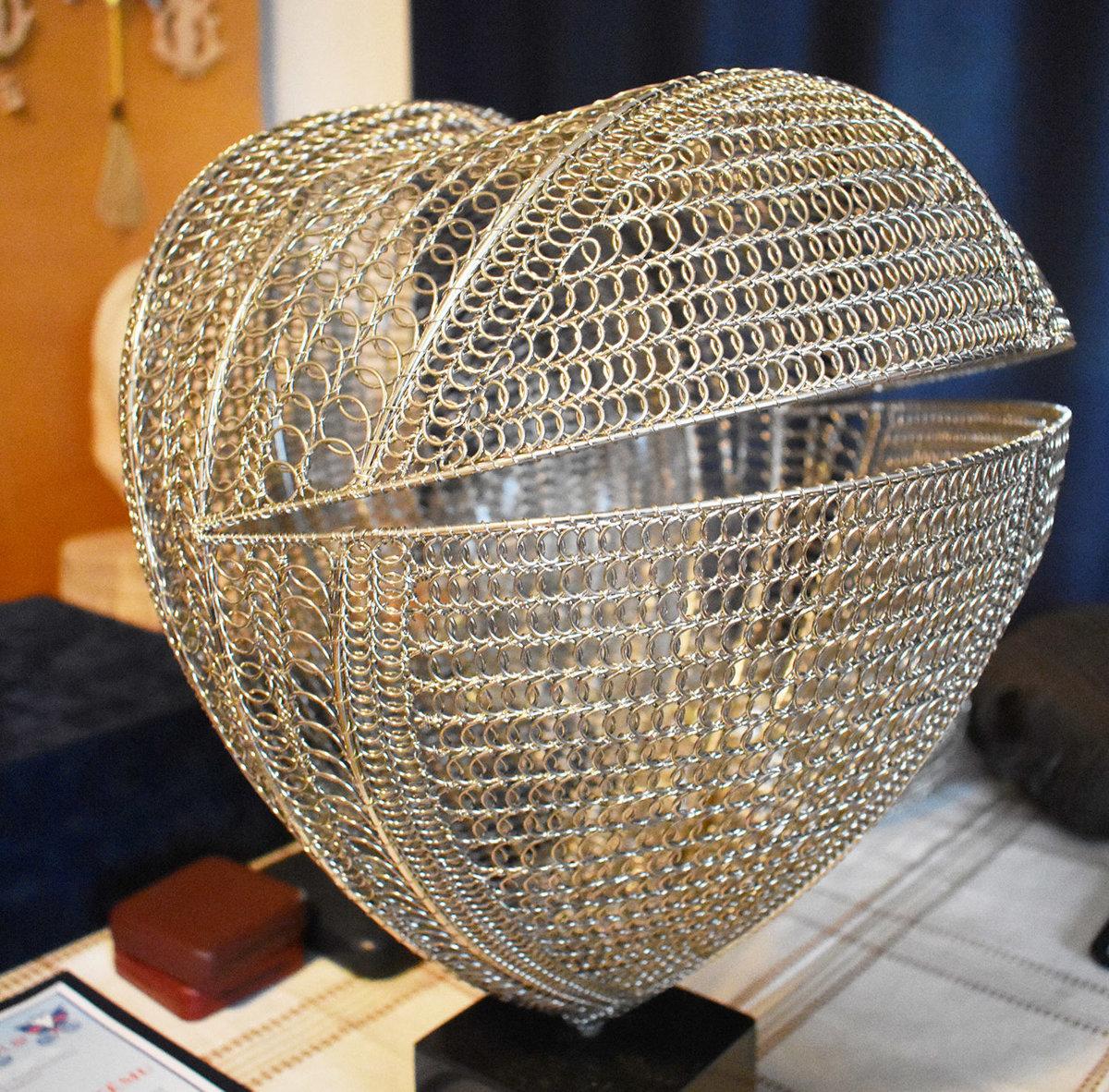 2659c419a Drôtené srdce Ladislava Jurovatého mladšieho je symbolom, ktorý poznajú po  celom svete.