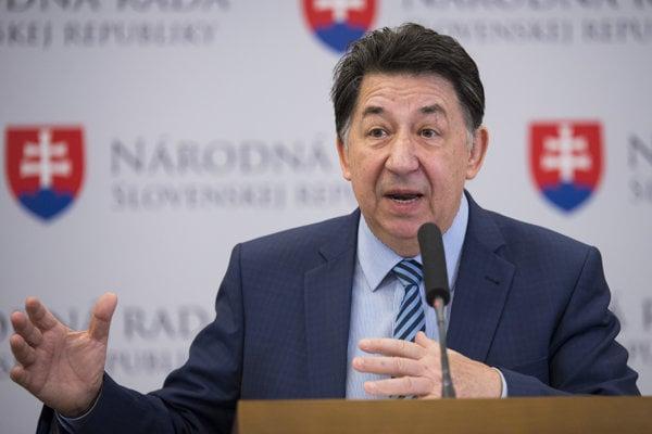 Poslanec Ján Budaj označuje facebookové stránky, ktoré upozorňujú na jeho kandidúru v inom volebnom obvode za antikampaň bez právneho základu.