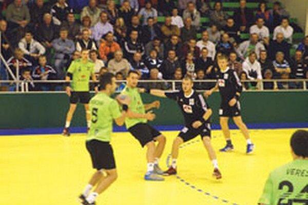 Hádzanári vyhrali nad Modrou o osem gólov.