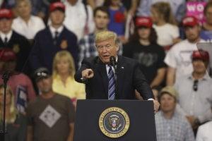 Donald Trump na mítingu v Montane.