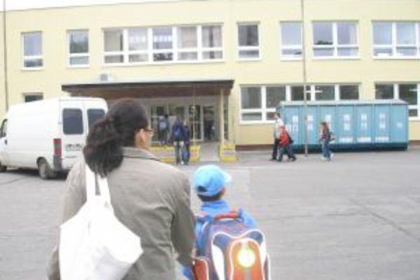 Na ZŠ Škultétyho chceli rodičia prihlásiť až 78 detí. Do prvého ročníka mohli prijať len 44.