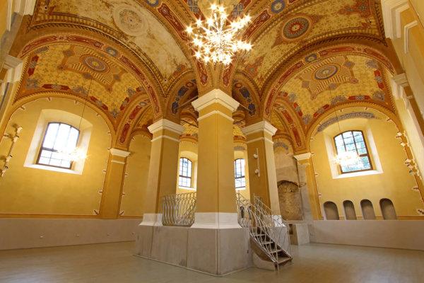 Obnovená Stará synagóga vBardejove.