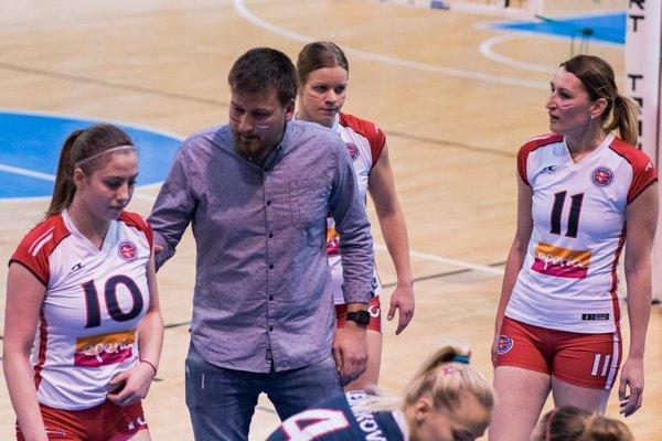Tréner Bočkay aAlica Sokolov (č. 11). Kto znich bude ďalej hájiť farby Prešova?