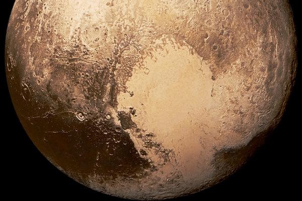 Definíciu planéty by mali zmeniť. Mala by zahŕňať aj Pluto.