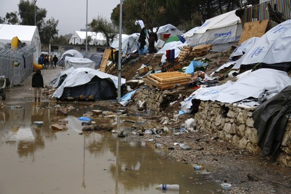 Utečenecký tábor na gréckom Lesbose.