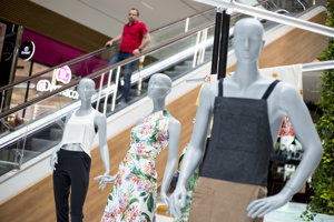 Brazil Creative ukazuje elegantné šaty, pracovné oblečenie či odevy na bežné nosenie.