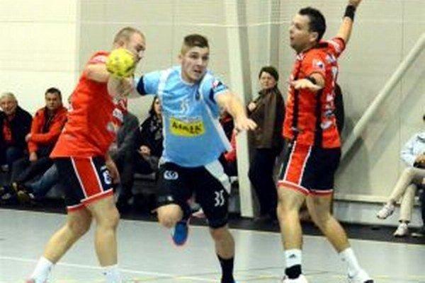 Vlado Buvala dal v zápase s Vajnormi osem gólov.