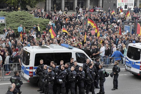 Demonštrácia po vražde v Chemnitzi.