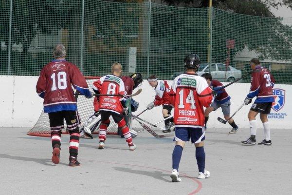 Hokejbalisti začali sezónu.