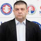 Romana Ruhiga podporuje Slovenská národná jednota - Strana vlastencov.