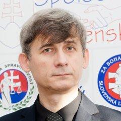 Andrej Trnovec kandiduje s podporou Slovenskej ľudovej strany Andreja Hlinku.