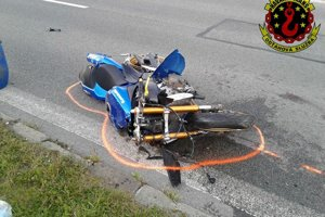Motocykel na mieste nehody.