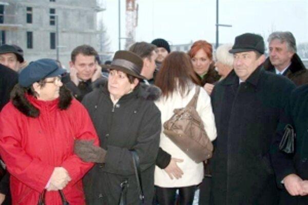 Dubničania otvorenie námestia privítali.