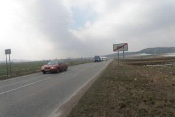 Aj tento úsek cesty za Benicami by mal prejsť rekonštrukciou.