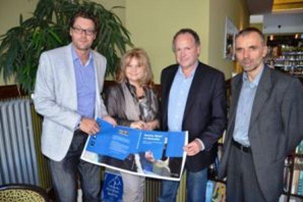 Výsledkom partnerstva s holandským mestom Hoogeveen bola aj tlač holanských publikácií v martinskej Neografii v minulom roku.