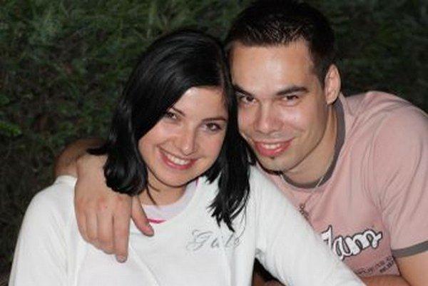 Miroslav Valch tvorí spolu so svojou manželkou  zohratú dvojicu.