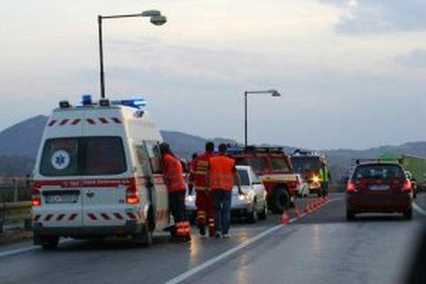 V sobotu sa pri Turanoch zrazilo viacej áut.