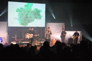 Kapela Anastasis počas Evanjelizačného koncertu v Scale.