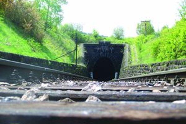Bralský tunel od Skleného.