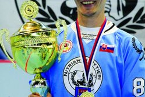 Michal Hrivnák sa po jedenástich rokoch tešil z premiérového majstrovského titulu.