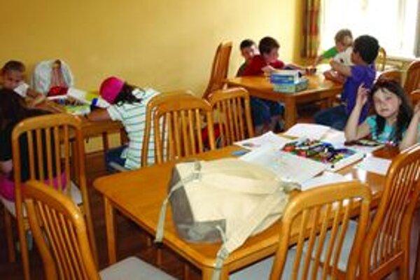 Deti sa zo škôl presťahovali aj do centier voľného času - napríklad aj do martinského Kamaráta.