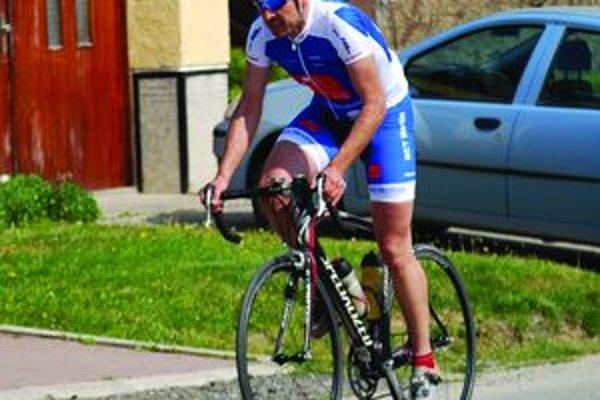 Miroslav Zubaj. Cyklista R. T. C. Martin patrí k favoritom pretekov.