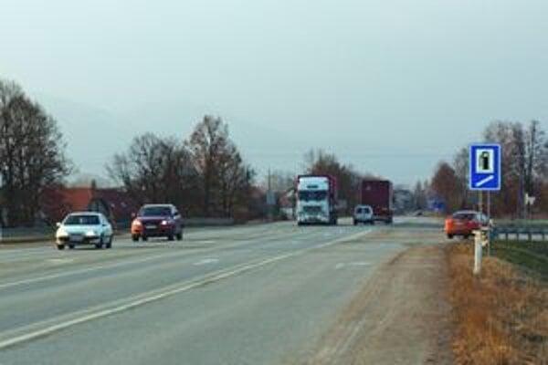 Denne prejde cez Turčianske Teplice vyše štyri tisíc áut.