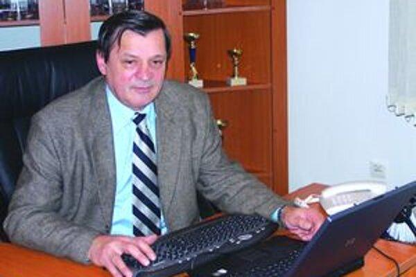 Jozef Petráš, starosta Sučian, mix daní kritizuje. Tvrdí, že okrem iného menej peňazí zo štátneho rozpočtu môže ohroziť bezpečnosť v obci.