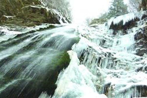 Šútovský vodopád.Turiec má čo ponúknuť. V zime i v lete.