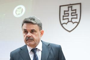 Generálny prokurátor Jaromír Čižnár počas tlačovej besedy.