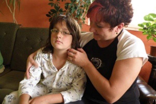 Matej Urmín je týždeň po operácii a mimo ohrozenia. V nemocnici však matka Katarína prežívala muky.