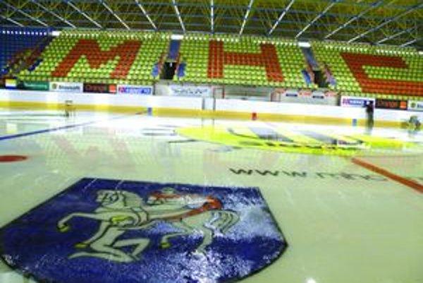 HAj hľadiská zimných štadiónov by mali monitorovať kamery.