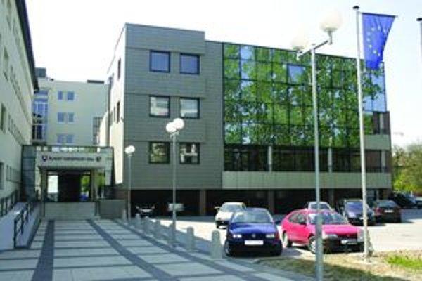 V tejto budove zasadajú poslanci ŽSK.