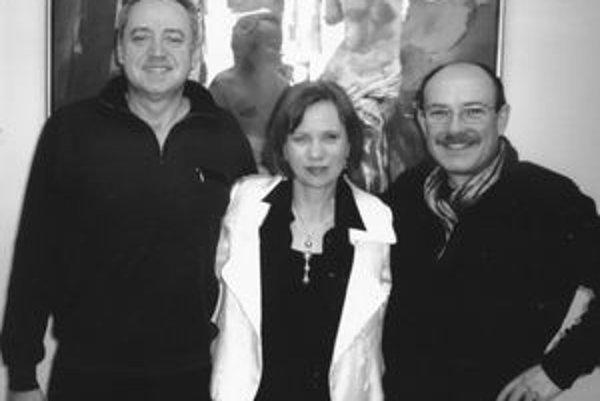 Manželia Jamborovci so Stanom Trepáčom (vpravo).