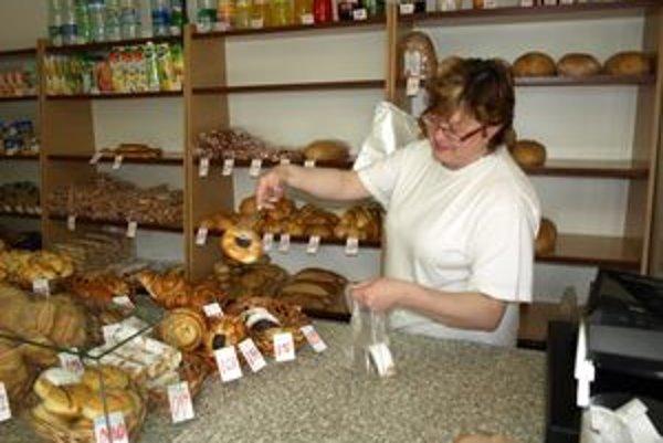 Anna Sekerková pracuje s kliešťami už dvadsať rokov.