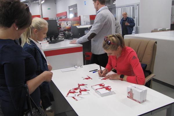 Dnešný otvárací deň spestrila aj autogramiáda olympijskej víťazky Anastasie Kuzminovej.