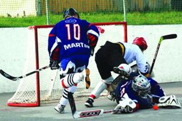 Najväčšou prekážkou pre Považanov bol brankár Jurošek. Najmä jemu môžu ďakovať Martinčania za tri body.