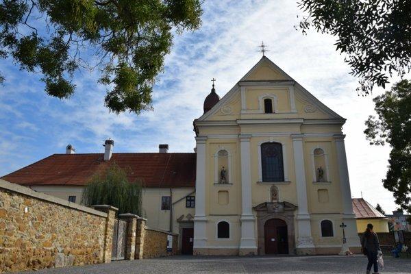 Farský kostol nanebovzatia Panny Márie vo Fiľakove
