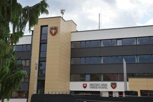 Rekonštrukcia šalianskeho mestského úradu sa začala v novembri minulého roku.