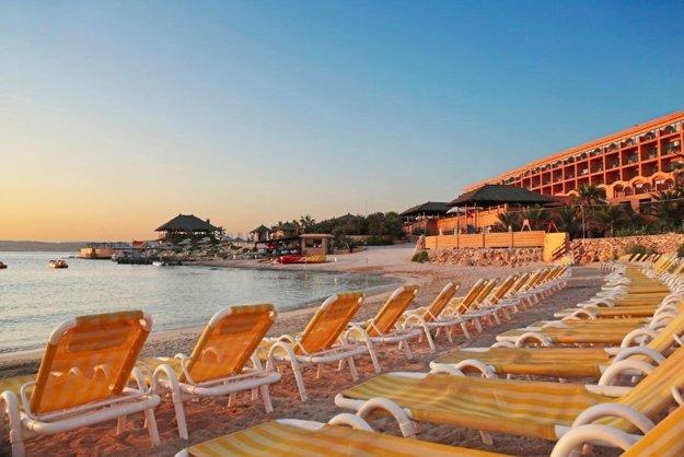 Ramla Bay Beach Resort 4*