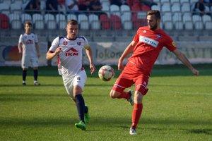 Igor Kotora z MFK Zvolen a Ľubomír Urgela z FC ViOn Zlaté Moravce-Vráble počas zápasu 4. kola Slovnaft cupu.